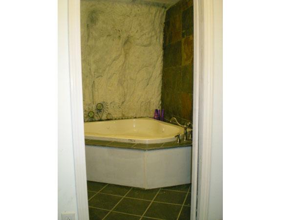 Cave House Bathroom