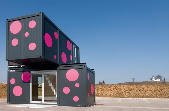 Cool Container Houses: +2 Weekend House