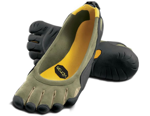 finger feet shoes