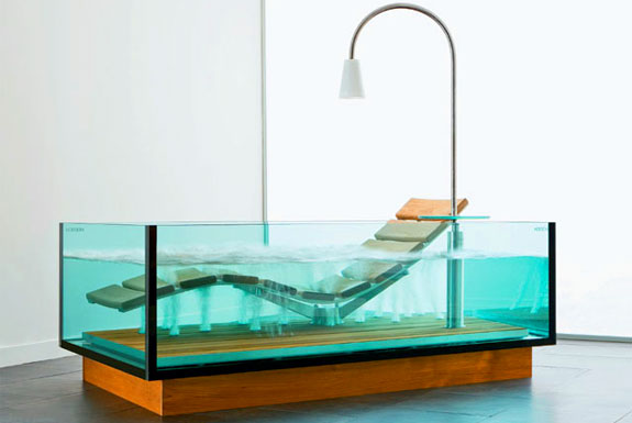 6 Cool, Clear Bathtubs