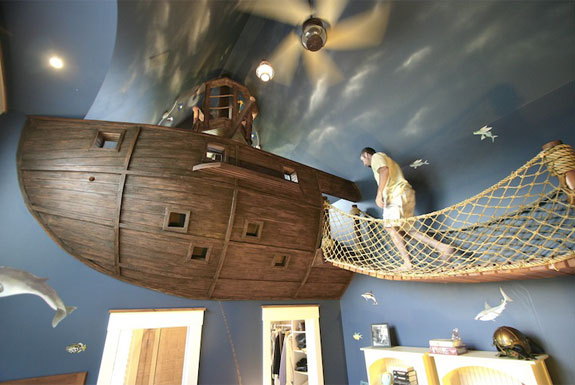 Arr, Cool Pirate-Themed <br />Bedroom Design