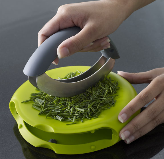 Joseph Joseph Compact Herb Chopper and Chopping Board
