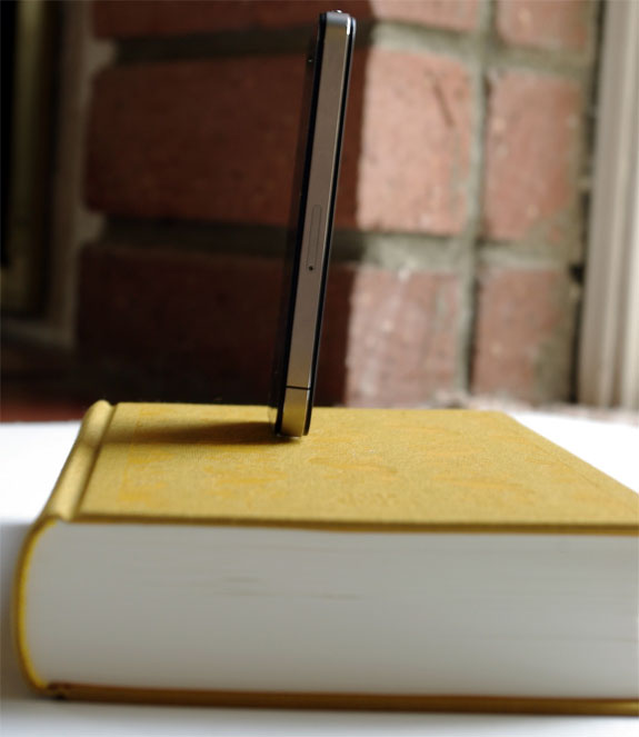 Cool iPod Charger From Recycled Books