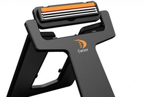 Crazor: The Credit Card-Sized Razor