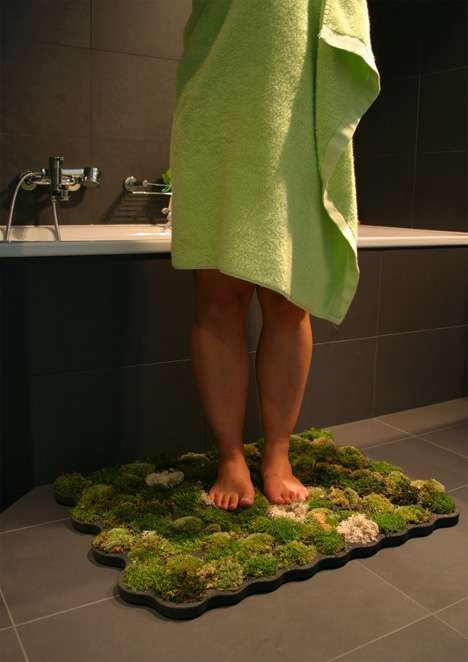 10 Cool Ideas For Nature-Themed Bathroom: Living moss bath mat